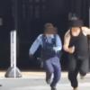 【朗報】警官の前に白い粉落として逃走したユーチューバー偽計業務妨害で逮捕!笑(動画あり↓)