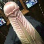【画像】まんさん、髪型をチ○コにしてしまう