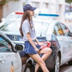 スカートが短すぎて話題の台湾の女警官がエロすぎるwwwwwww※画像あり↓