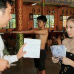 【画像】タイの徴兵兵役検査で「身体に欠損」が理由で兵役免除になった男性