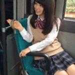 【画像あり】通勤電車で見かけるJKが可愛すぎるwwwwwwww
