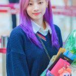 【悲報】TWICEダヒョンさん、とんでもない髪色に染めてしまうwwwwwwwww画像↓